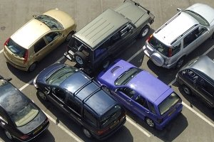 Парковка в Германии предусматривает определенные нюансы: парковочный талон лучше приобрести заранее.