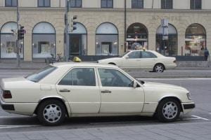 Welche Fahrzeuge dürfen in der 2. Reihe parken?