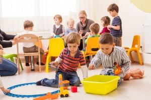 Durch § 34 IfSG soll eine Verbreitung von Krankheiten im Kindergarten verhindert werden.