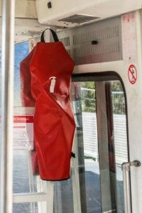 § 35g StVZO schreibt vor, dass in Bussen ein Feuerlöscher vorhanden sein muss.