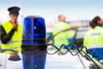 Gelten durch Einsatz von gelben oder blauen Blinklichtern gemäß § 38 StVO Sonderrechte?