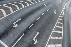 §7 StVO regelt die Benutzung von Fahrstreifen.