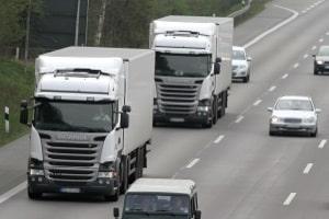 Abbiegeassistent zum Nachrüsten: Lkw- und Pkw-Fahrer können von derartigen Systemen profitieren.
