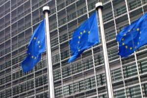 Der Abbiegeassistent ist keine Pflicht, aber auf EU-Ebene soll sich das bald ändern.