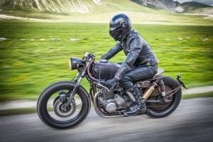 Ein ABS ist beim Motorrad nur Pflicht, wenn dieses über 125ccm und eine Typzulassung aus 2016 hat.