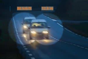 Um eine Abstandsunterschreitung auf Autobahn und Co. nachzuweisen, werden verschiedene Verfahren eingesetzt
