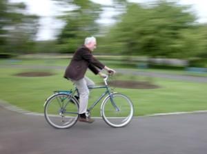 Ältere Radfahrer
