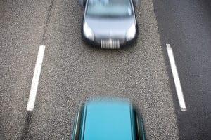Die starke Unterschreitung des Sicherheitsabstands gilt als aggressives Verhalten im Straßenverkehr.