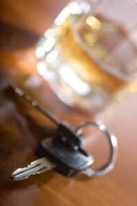 Alkohol oder Drogen am Steuer führen häufig zur MPU