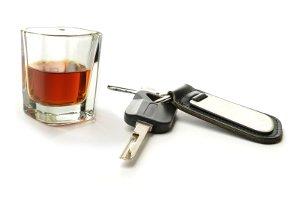 Alkoholgrenze in Frankreich: Das Auto sollten Sie bei 0,5 Promille besser stehenlassen.