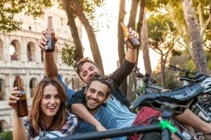 Wer alkoholisiert mit einem Elektro-Tretroller unterwegs ist, kann seinen Führerschein verlieren.