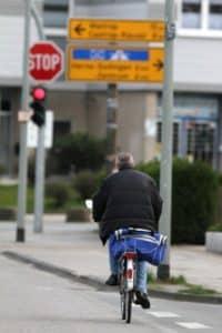 Als Radfahrer auf der Straße fahren