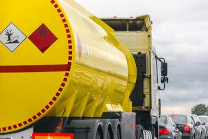 Die Altölverordnung regelt Transport und Verwertung von unbrauchbarem Öl.