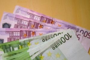 Anscheinswaffen: Bei einem Verstoß gegen das Mitführverbot droht ein Bußgeld bis zu 10.000 Euro.
