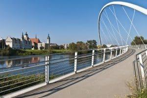 Ein Anwalt für Verkehrsrecht in Dessau-Roßlau kann für verschiedene Angelegenheiten konsultiert werden.