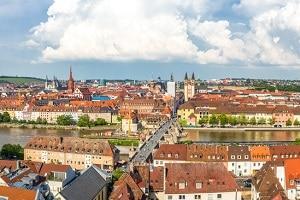 Sie suchen einen Anwalt für Verkehrsrecht in Würzburg? Dann nutzen Sie doch unsere obige Liste.
