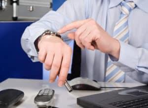 Kein fester Stundenlohn: Die Anwaltsgebühren richten sich laut RVG nach der Art der Tätigkeit und dem Gegenstandswert.