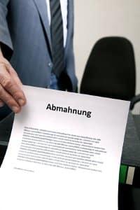 Abmahnung, Anwaltskosten, Geldbuße – eine Urheberrechtsverletzung kann teuer werden