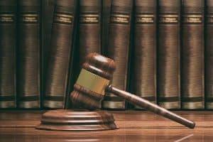 Einer Anzeige wegen Nötigung wird trotz Aussage-gegen-Aussage i. d. R. nachgegangen
