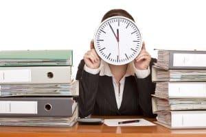 Die Arbeitszeit für LKW-Fahrer wird ebenfalls auf Grundlage des Arbeitszeitgesetzes (ArbZG) geregelt.