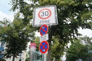 Bei Aufstellung von Verkehrszeichen geltende Richtlinien