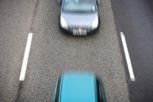 Die StVO untersagt das Ausbremsen im Straßenverkehr.