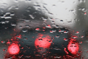 Müssen Autofahrer mit Sanktionen rechnen, wenn sie einen Drängler ausbremsen?