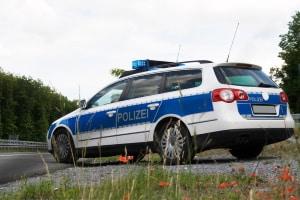 Eine Ausgangssperre wird in Deutschland in erster Linie durch die Polizei überwacht.