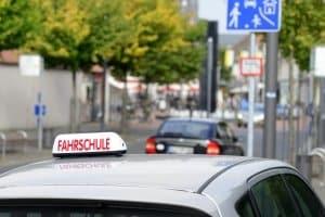 Ausländischer Führerschein: Diesen in Deutschland umschreiben zu lassen, ist oft ohne Prüfung möglich.