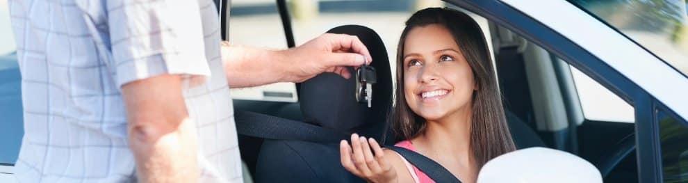 Auto verschenken: Was Sie beachten müssen