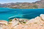 Die Autobahn verbindet in Griechenland unter andere wichtige Urlaubsregionen miteinander.