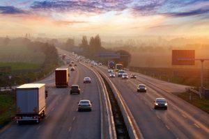 Auch auf der Autobahn herrscht in Irland Linksverkehr.