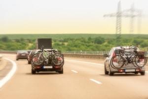 Auf der Autobahn gilt in Italien ein Tempolimit.