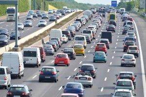 Die Autobahnen sind in Frankreich gut ausgebaut.