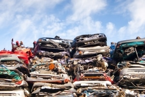 Statt einer Verschrottung kann sich der Autoexport lohnen.