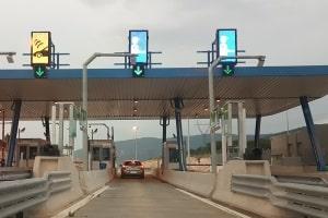 Autofahren: In Griechenland kann das Urlauber vor Herausforderungen stellen.