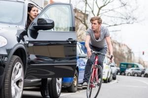 Keine Angst vor Autotüren: Auf dem Radschnellweg sind Radfahrer vom restlichen Verkehr getrennt.