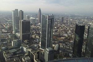 Nach einem Autounfall in Frankfurt gibt es einiges, was Sie beachten müssen.