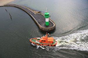 In der Regel greift im Hafenbereich oder auf Hauptwasserstraßen ein Badeverbot.