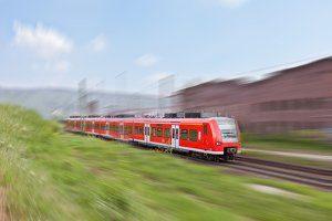 Innerhalb des Nahverkehrs ist in der Bahn eine Fahrradmitnahme möglich.