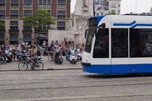 Nahverkehr für umsonst? In Deutschland ist Beförderungerschleichung eine Straftat