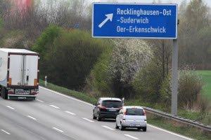 Auf Beschleunigungsstreifen dürfen Sie rechts überholen.