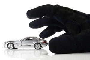 Fallen Sie nicht auf Betrüger herein. Sie sollten, wenn Sie Ihr Auto verkaufen, Tipps für Ihre Sicherheit befolgen.