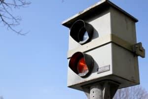 Blitzer-Attrappe selber bauen: Dürfen Anwohner dies oder ist es verboten?