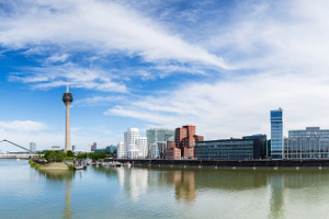 Blitzer in Düsseldorf sollen Geschwindigkeitsüberschreitungen aufdecken.