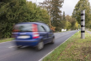 Blitzer in Hildesheim: heute werden häufig Modelle eingesetzt, die Tempo- und Rotlichtverstöße registrieren.