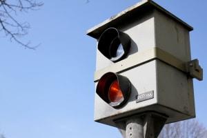 Auch stationäre Blitzer sind in Wiesbaden oft im Einsatz.