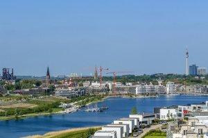 Durch Blitzer wird in NRW die Einhaltung vom Tempolimit überwacht.