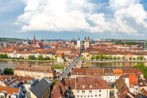 Blitzer in Würzburg sollen Temposünder überführen.
