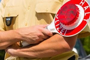 Ein Bluttest, der den MCV für Alkohol bestimmt, folgt oft auf eine Verkehrskontrolle.